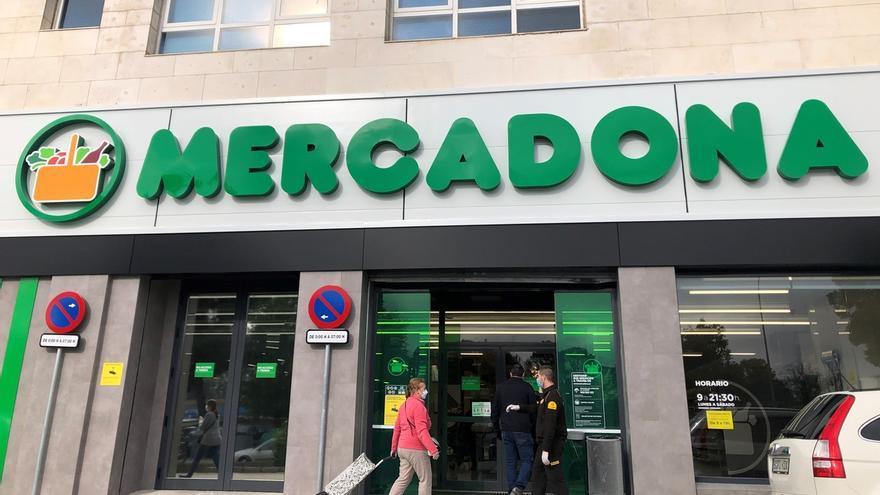 Mercadona reabre su supermercado de la calle José García Díaz de la capital tras una reforma integral