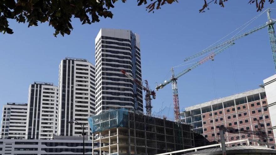 Las constructoras, interesadas en un plan para levantar viviendas en concesión