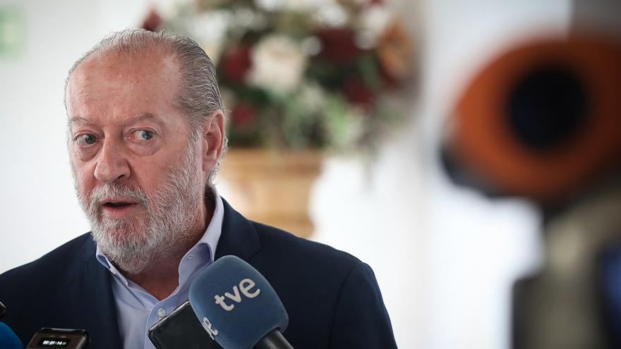 Fernando Rodríguez Villalobos, presidente de la Diputación Provincial de Sevilla y de la FAMP.