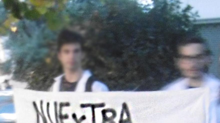 Una de las pancartas que pudo verse en la concentración