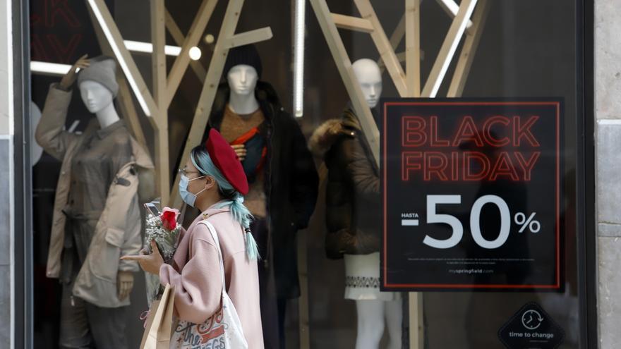 Desciende un 8% el gasto medio previsto por los españoles en Navidad