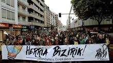 Marcha en Vitoria contra el derribo del barrio ocupado más grande de España