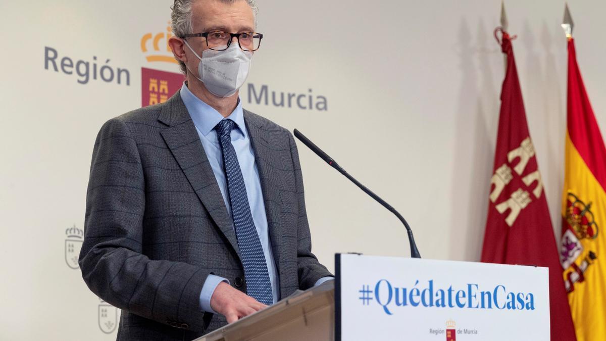 El consejero de salud de la Comunidad de Murcia Juan José Pedreño, este jueves. EFE/Marcial Guillén