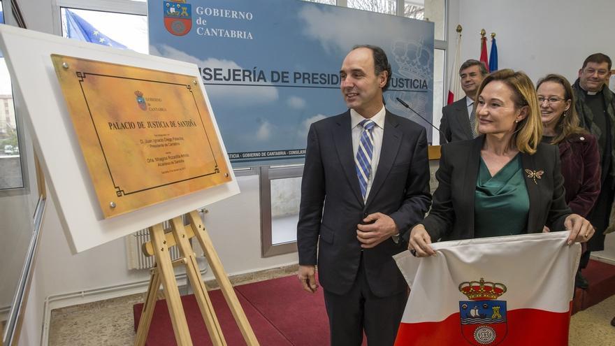 """El Gobierno regional atribuye a la """"tradición"""" la bendición de juzgados de Santoña"""