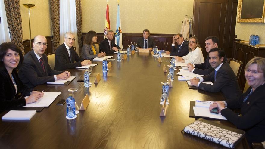 Feijóo repasa con su gabinete en el primer Consello los compromisos de investidura, con el reto inmediato de las cuentas