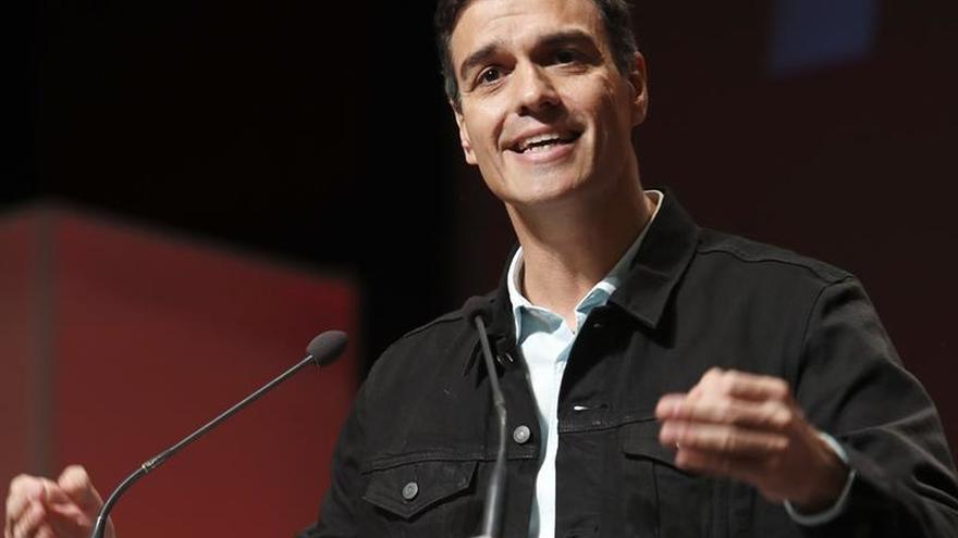 """Sánchez ve """"equivocado"""" que Colau elija el camino de los independentistas"""