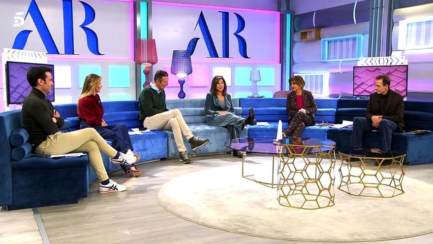 Ana Rosa Quintana con botas en 'El programa de AR'