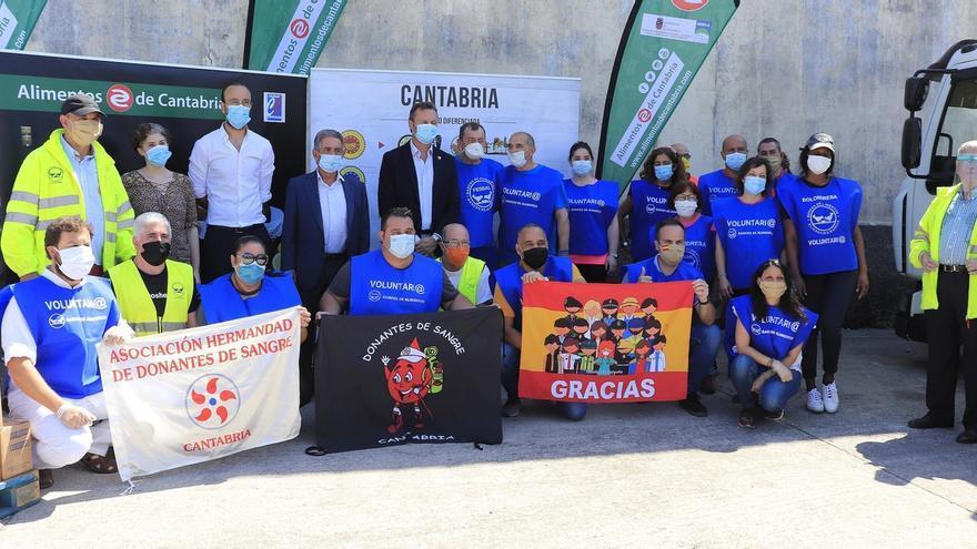 El Gobierno entrega más de 7.000 kilos de productos de Cantabria al Banco de Alimentos y la Cocina Económica