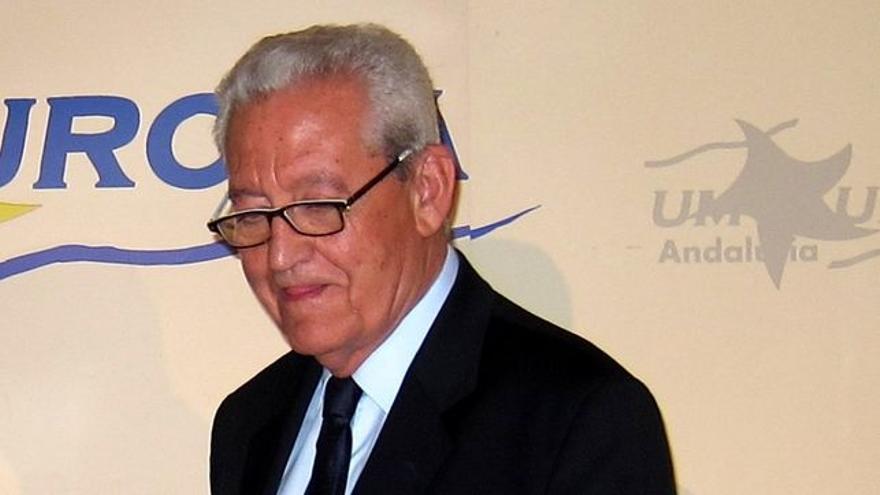 Rafael Escuredo.