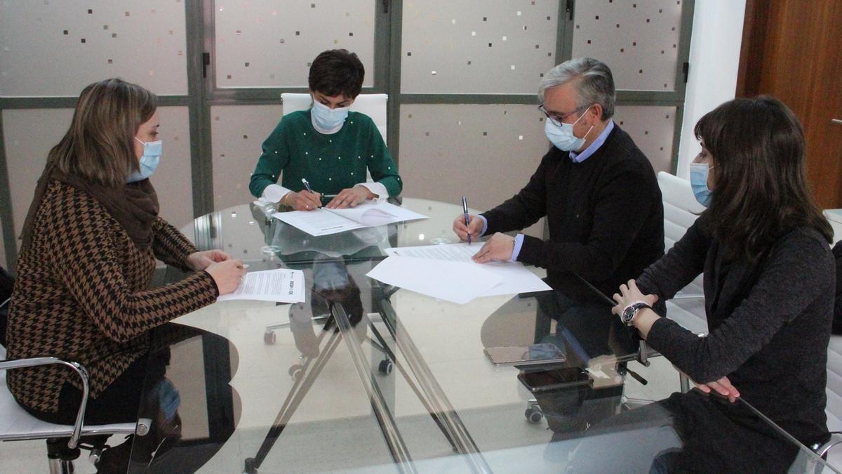Momento de la firma del proyecto