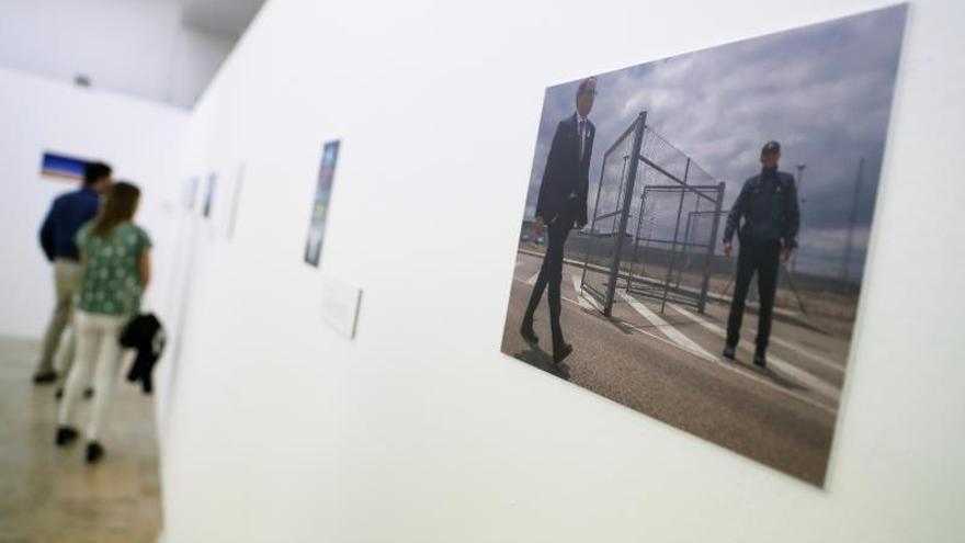 """La exposición """"Prision Blues"""" retrata el trabajo de espera de los periodistas"""