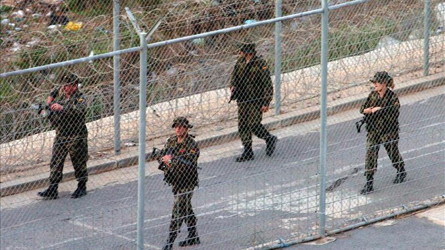 Dos inmigrantes subsaharianos logran saltar la valla de Ceuta