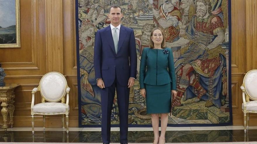 El Rey recibirá el lunes a Ana Pastor para analizar qué pasos seguir tras investidura fallida de Rajoy