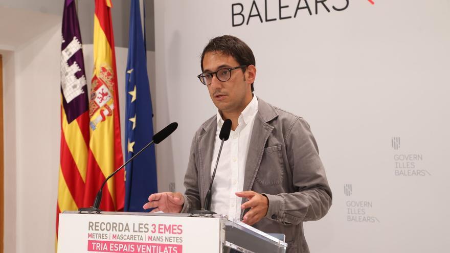 El portavoz del Govern, Iago Negueruela, durante una rueda de prensa.