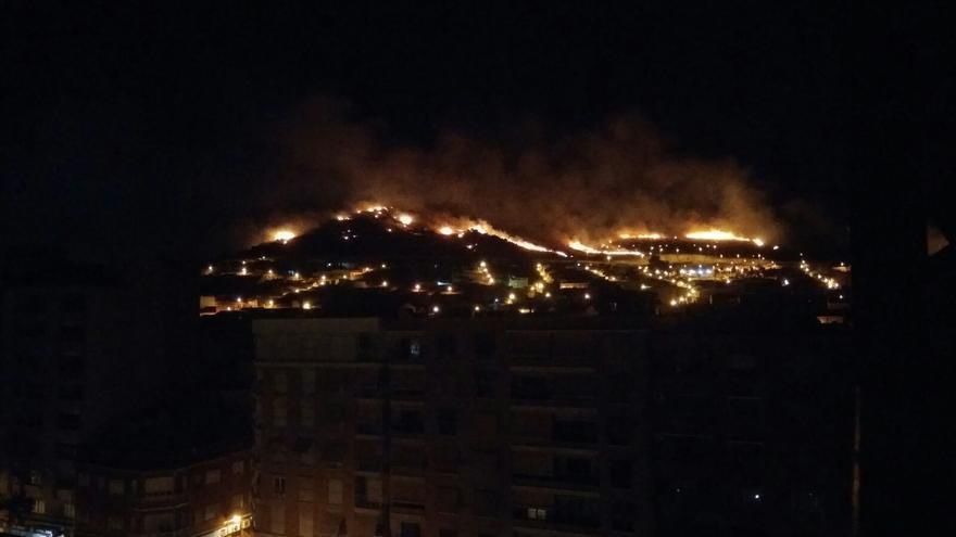Uno de los incendios en Puertollano en los últimos días