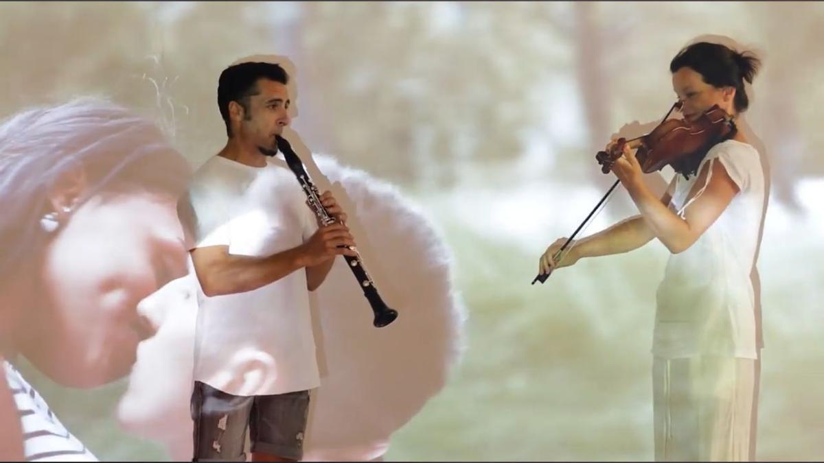 La Orquesta versionando a Elvis