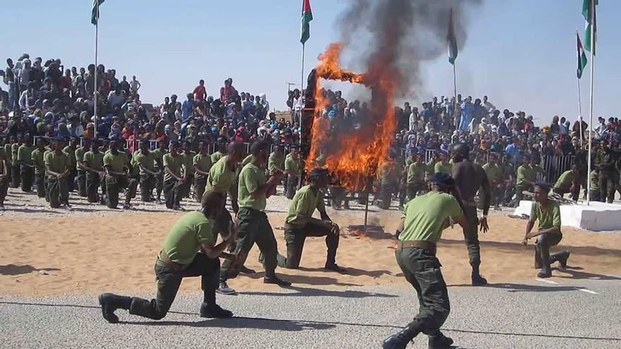 Militares del Frente Polisario realizando una exhibición. (Youtube).
