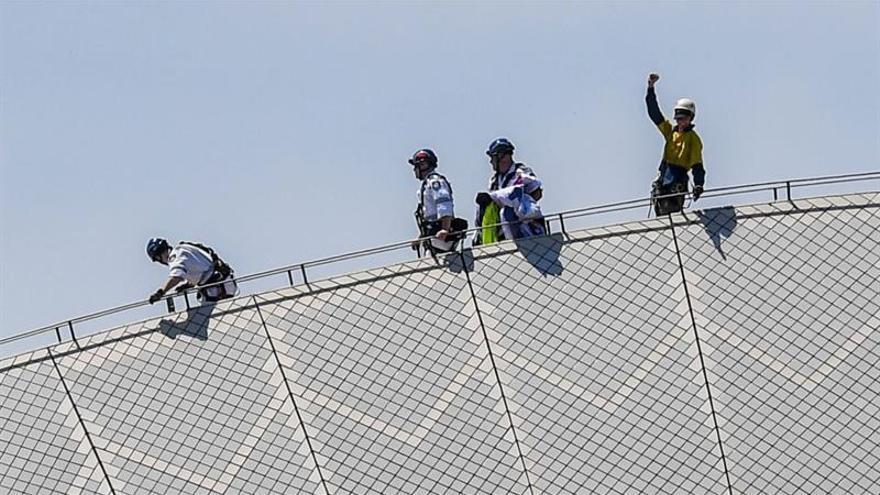 El Gobierno papú da dos días para desalojar un centro de inmigrantes clausurado
