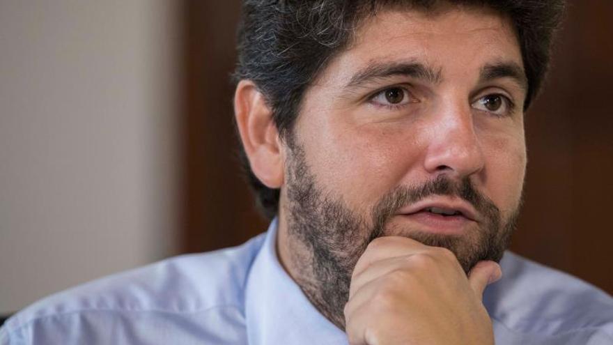 """El presidente murciano considera una """"barbaridad"""" que se plantee aplicar el 155"""
