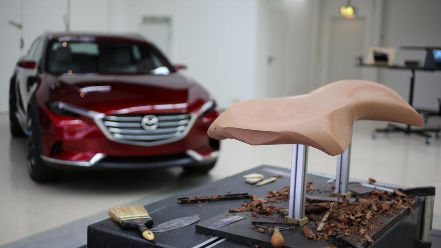Para Mazda, el moldeado ocupa un lugar prominente en el proceso de creación de sus vehículos.