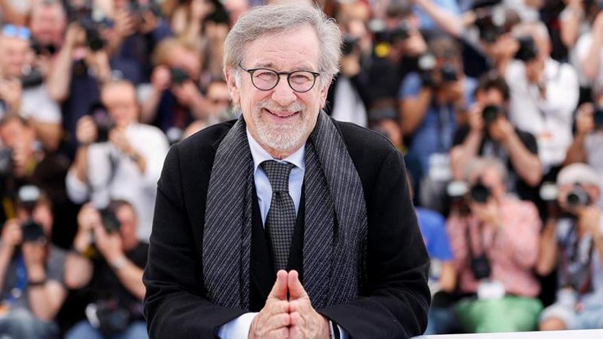 Steven Spielberg cumple 70 años sin aflojar la marcha