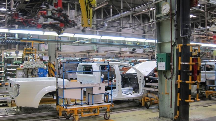 La producción industrial cae casi un 11% en julio en Cantabria