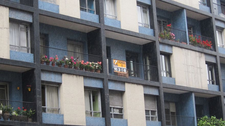 El precio de la vivienda usada cayó un 4% interanual en octubre, según pisos.com