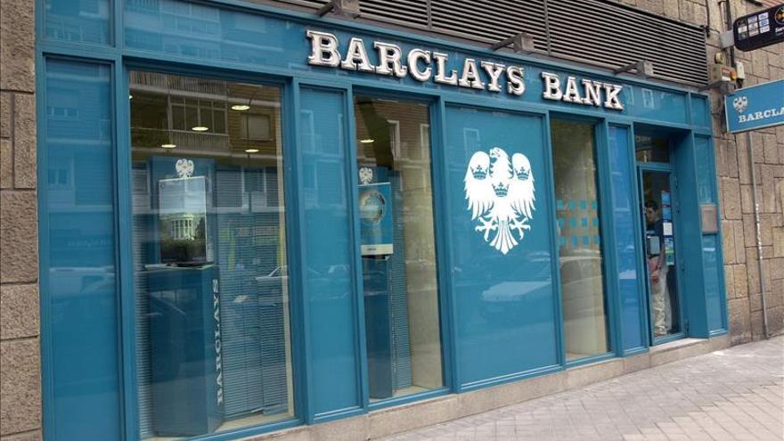 CaixaBank plantea un recorte de 1.120 empleados de Barclays en España