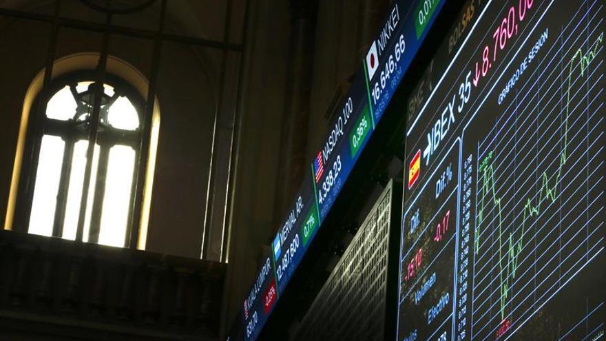 El IBEX cae el 0,78 % a mediodía arrastrado por Popular y el resto de bancos