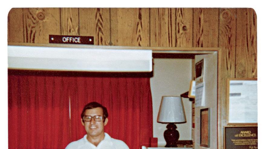 Gerald Foos, el voyeur que compró un motel para espiar a sus huéspedes