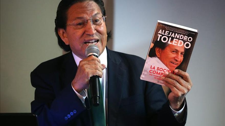 Alejandro Toledo es elegido candidato presidencial del partido Perú Posible