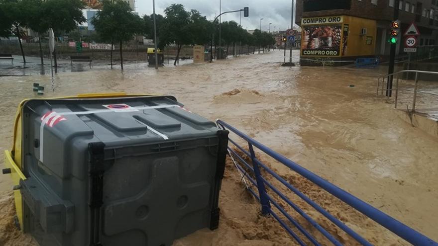 La rambla de Churra se desborda tras las primeras lluvias del DANA