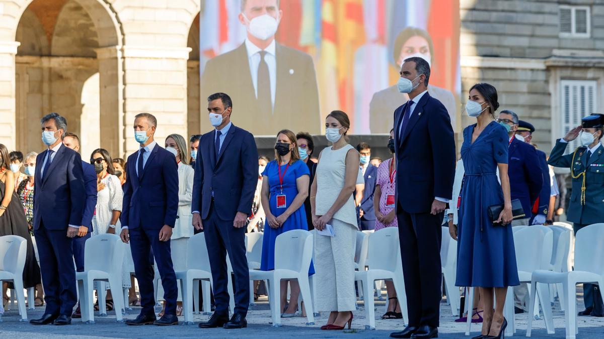 Los reyes y Pedro Sánchez presiden el segundo homenaje de Estado a las victimas del coronavirus.
