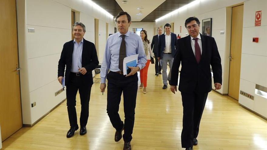 El PP ve la coalición Podemos-IU como pacto de comunistas cubanos y venezolanos
