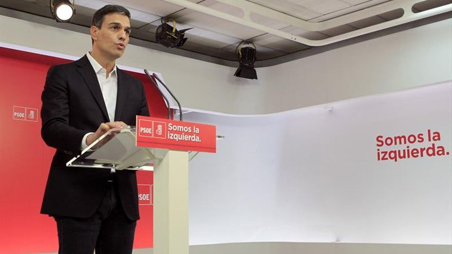 """Sánchez pide a Rajoy que dimita por """"dignidad"""" y por el interés de España"""