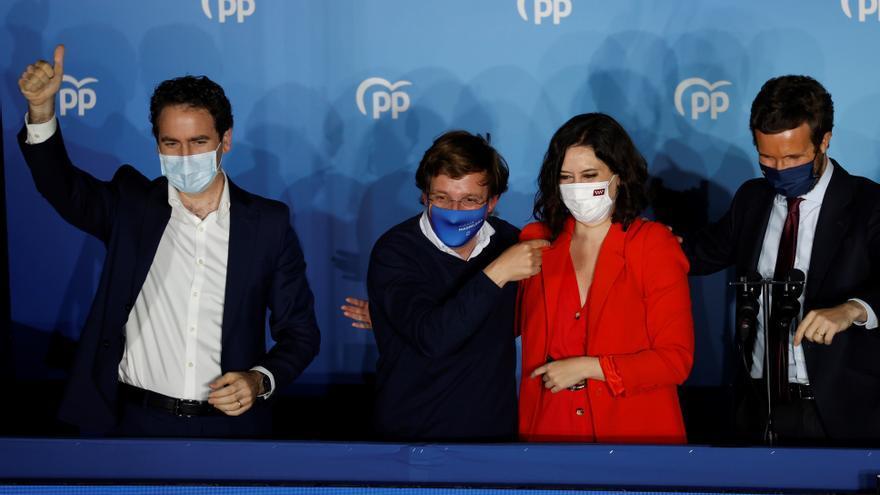 """Ayuso y Casado reivindican su éxito en Madrid como una moción al """"sanchismo"""""""