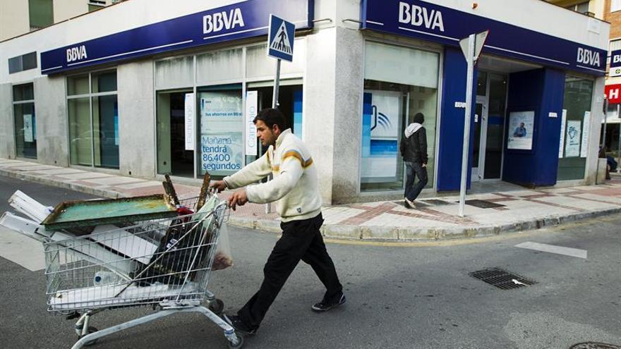 """BBVA planea mantener sus oficinas pero admite que cada vez es """"más digital"""""""