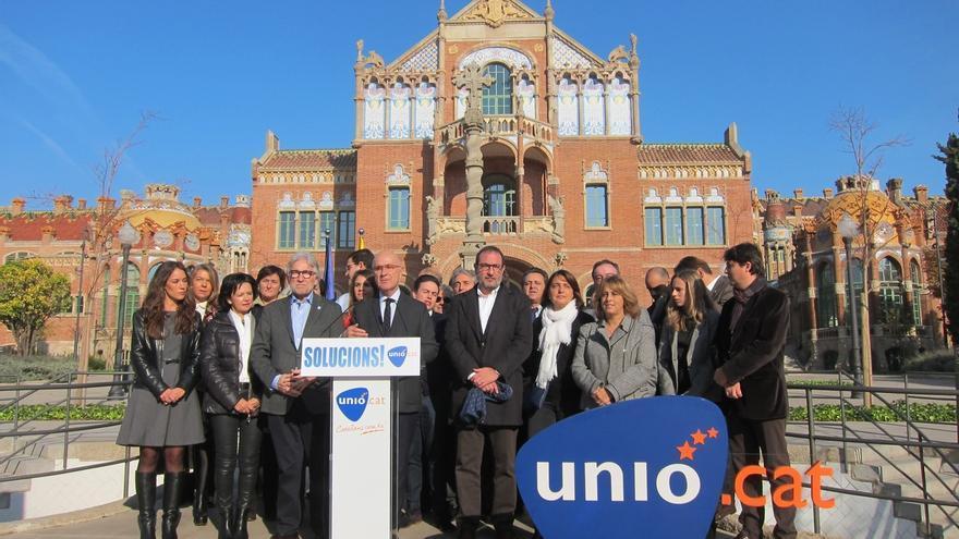 Unió propone bajar IRPF, subir el SMI a 950 euros y enseñanza gratuita
