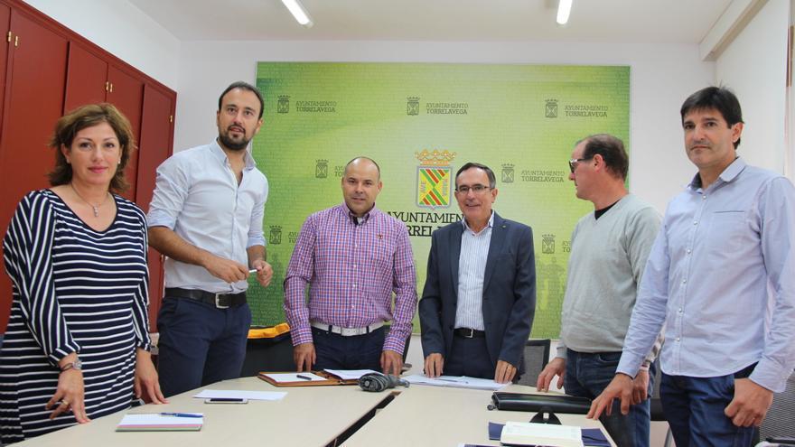 """La comarca del Besaya hace """"frente común"""" para conseguir la ampliación del Torrebús"""