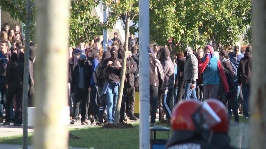Colegio y Asociación Vasca de Periodistas muestran su repulsa ante la agresión sufrida por un reportero de Europa Press