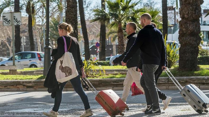Airbnb afirma que sus clientes no agravan los problemas del turismo de masas