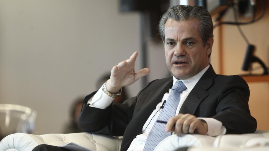 De Quinto recibe a representantes de trabajadores de Coca-Cola Iberian Partners y les insta a negociar