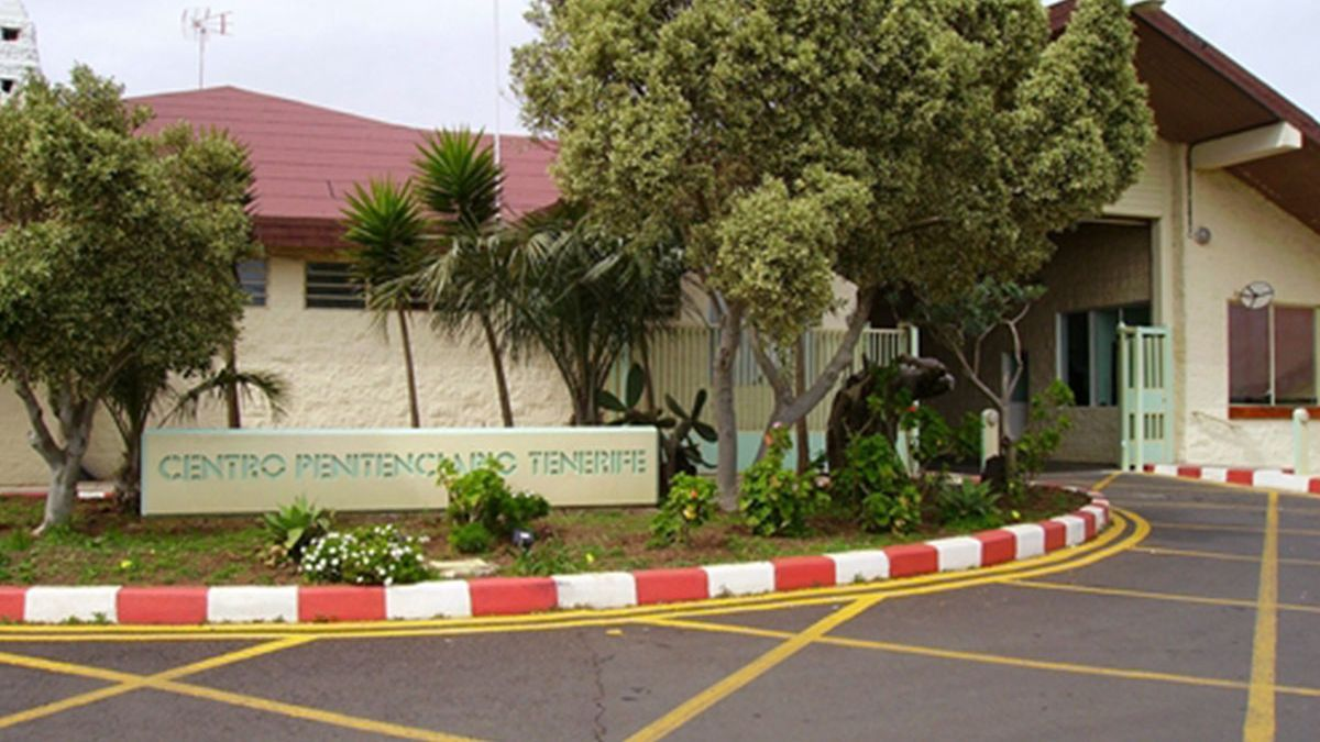 Acceso principal a la cárcel de Tenerife, situada en la localidad de El Rosario