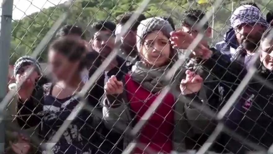 Hala, adolescente siria de 16 años detenida en el centro de Samos.   Vídeo de Médicos Sin Fronteras.