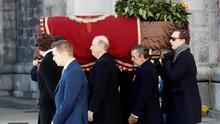 Imagen del traslado del ataúd con los restos del dictador Franco