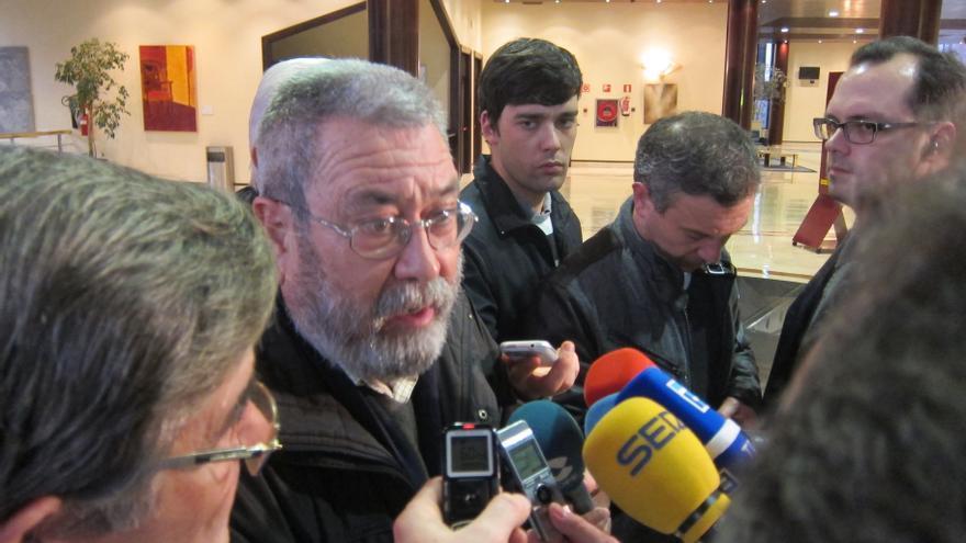 """Méndez (UGT) ve """"absurdo"""" que Montoro vincule el descenso de paro en diciembre con su reforma laboral"""
