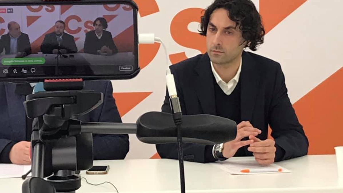 Javier Fernández Soberón en la sede de Ciudadanos.