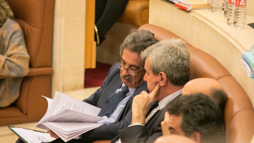 Pleno del Parlamento de Cantabria. | ROMÁN GARCÍA