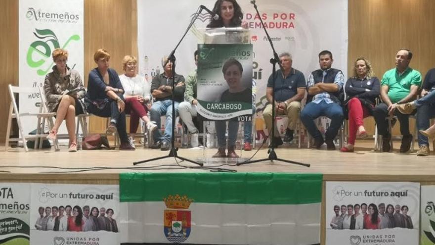 La candidata de Unidas Por Extremadura a la Presidencia de la Junta, Irene de Miguel, en un acto en Carcaboso