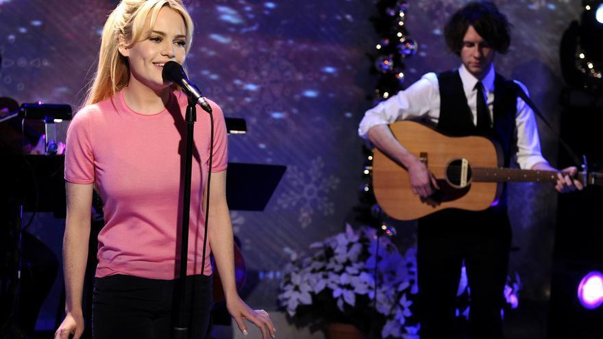 La cantante Duffy durante una actuación en el canal NBC en 2010
